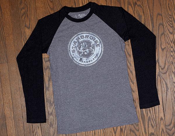 T-shirt-Baseball_St-Ambroise-Gris-Blanc-600×467